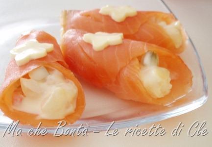 conetti di salmone capricciosi - salmon rolls
