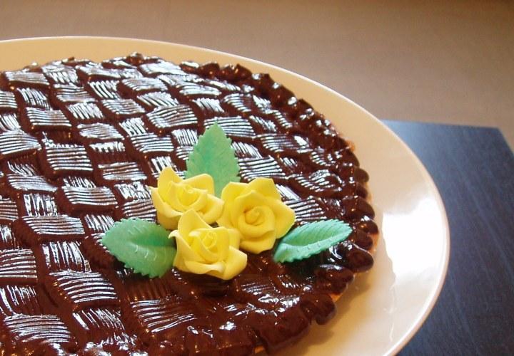 Crostata cioccolato e arancia con decorazione a canestro