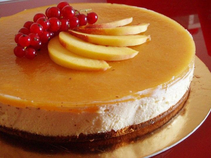 Torta miele e mascarpone con gelée di pesche