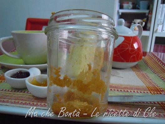 plum cake sotto vetro - vasetto