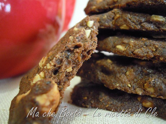 Fettine langarole (biscuits with nuts and buckwheat)