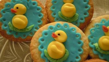 easter motif cookies