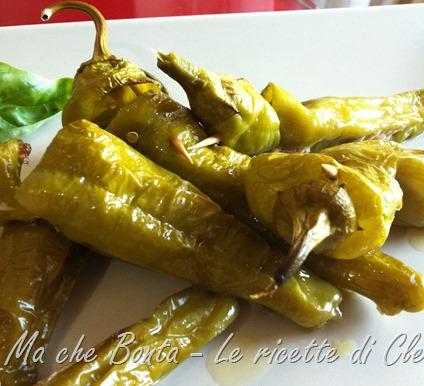 friggitelli ripieni - stuffed friggitelli peppers