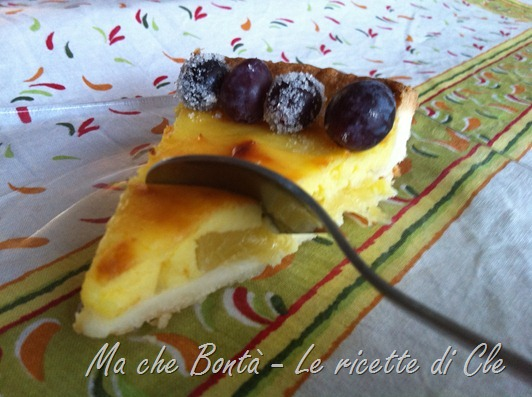 crostata ananas e uva