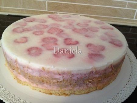 torta giardino di fragole 005