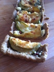Crostata sfogliata con philadelphia e zucchine