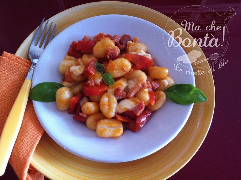 Gnocchi con peperoni e mozzarella (Pepperoni and mozzarella gnocchi)