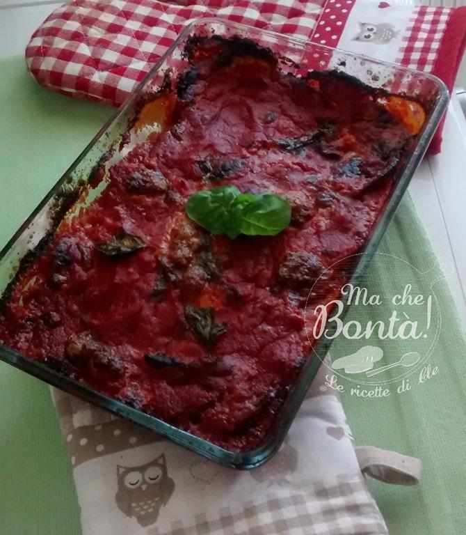 Sua maestà: la parmigiana di melanzane (Her Majesty Aubergine, tomato & Parmesan bake)