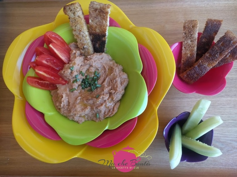 Dip-cannellini-pomodori-secchi