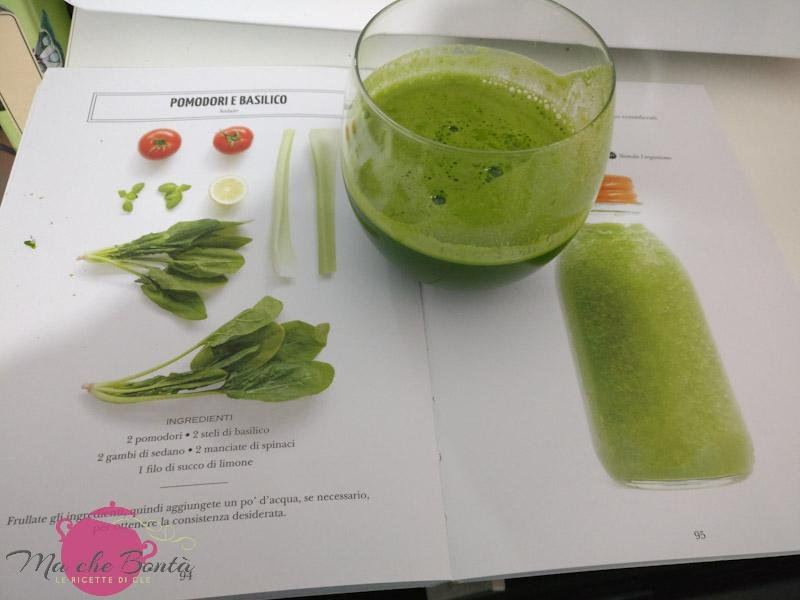 tomato-green-smoothie