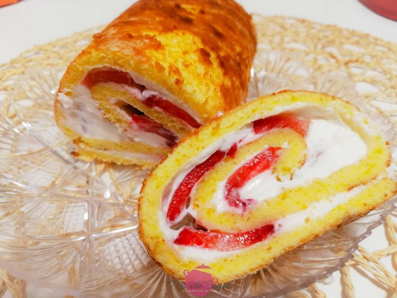 rotolo-facile-chantilly-e-frutta