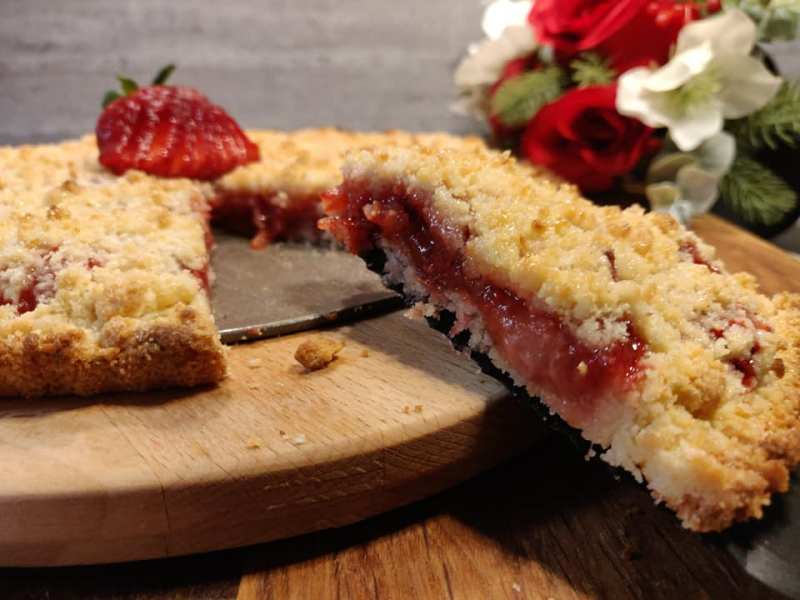 strawberry-crumble-tarte
